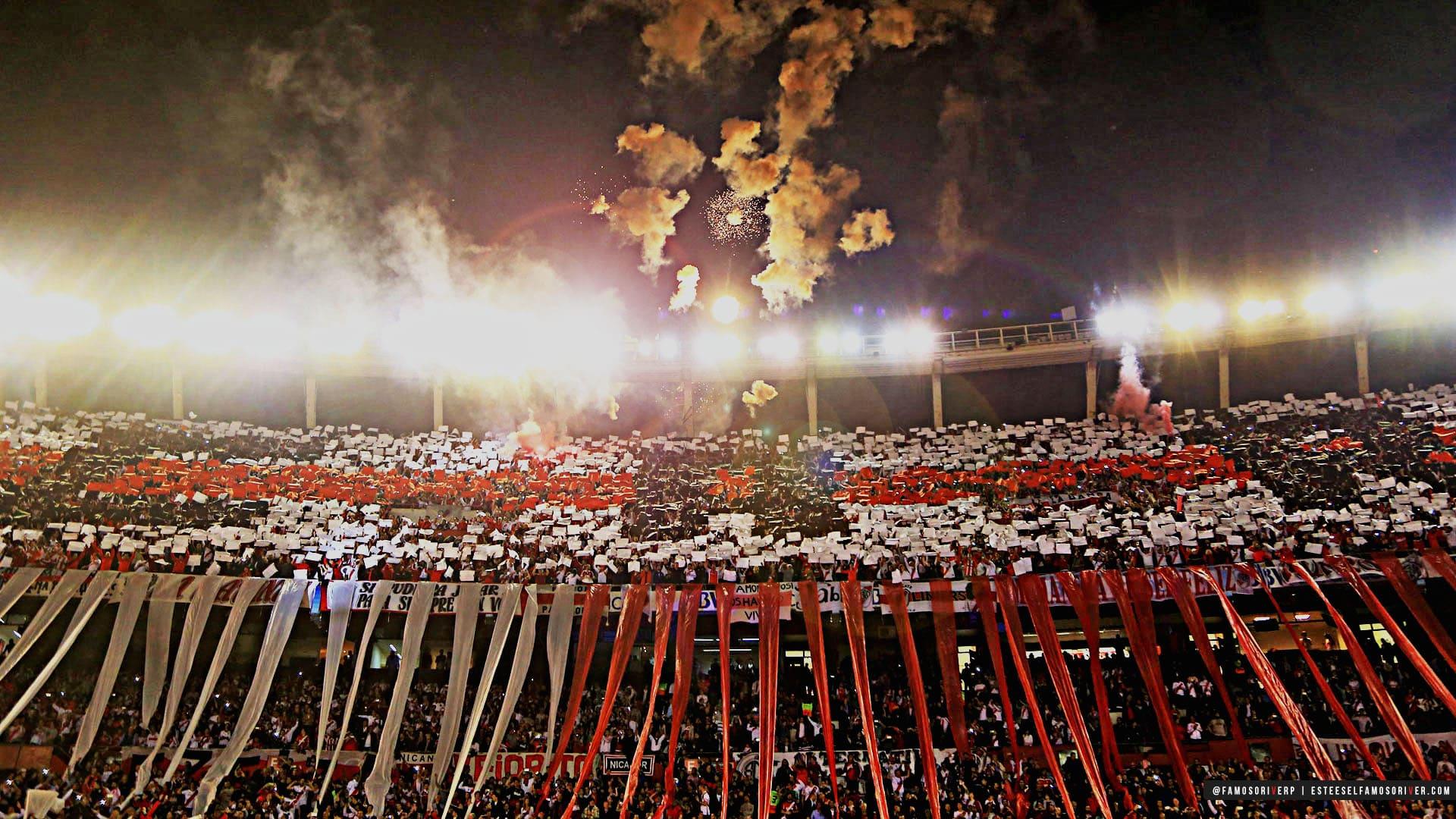 imagenes-de-river-plate-para-fondos-de-pantalla-wallpaper-de-river-Monumental - Hinchada noche - fuegos artificiales