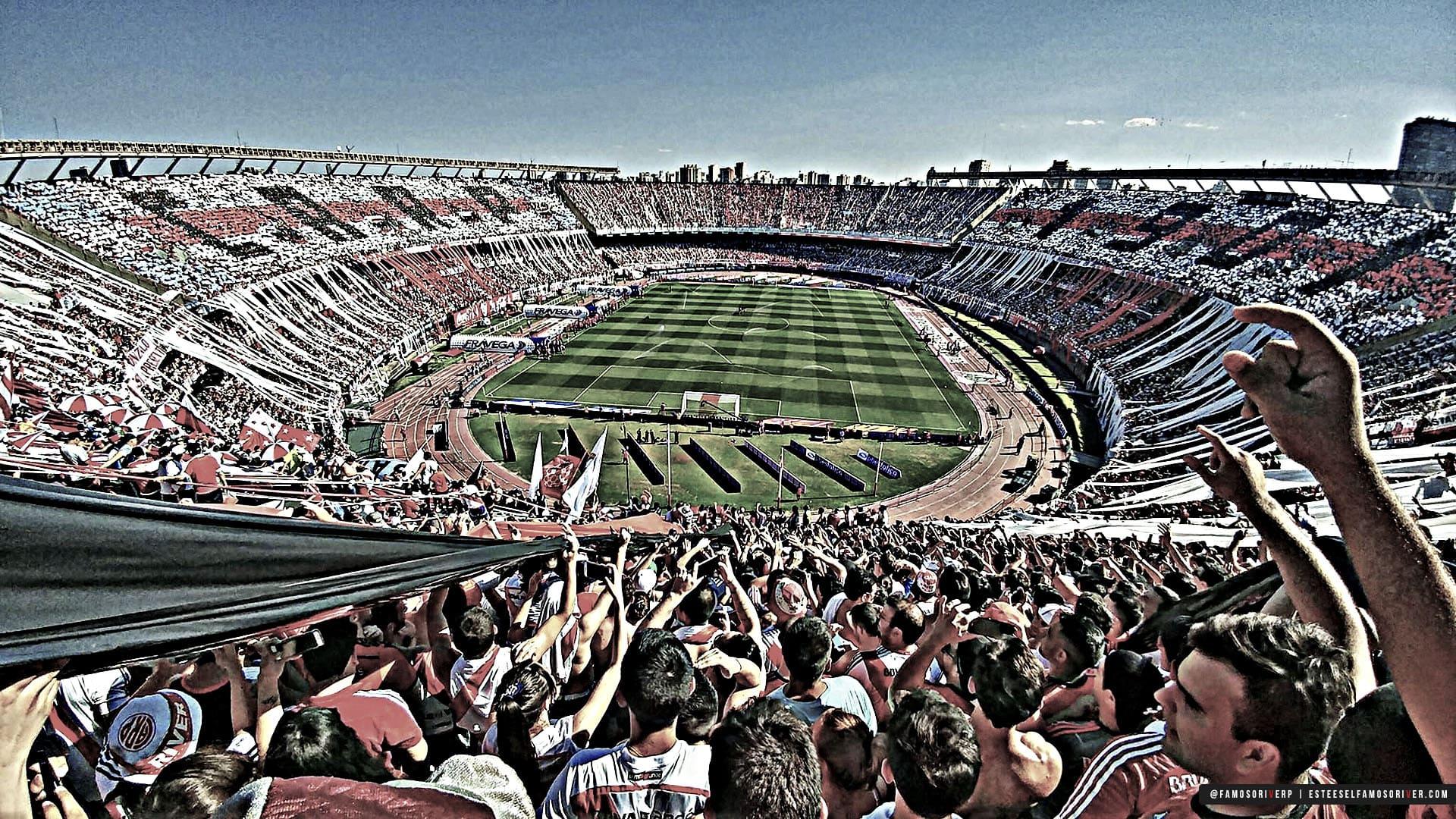 imagenes-de-River-Plate-para-fondos-de-pantalla-wallpaper-de-River-Hinchada de River Plate en el Monumental de día. Monumental Lleno